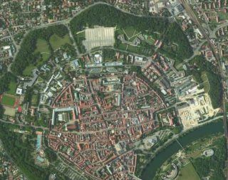 Gelände mit Luftbild